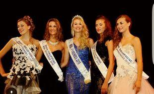 Virginie Guillin, entourée de ses dauphines, a été élue Miss Midi-Pyrénées 2016 le 7 octobre à Saint-Gaudens.
