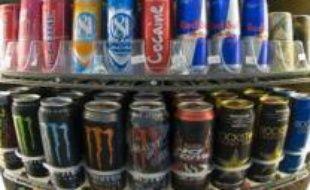 Boire une canette de boisson gazeuse ou de bière n'est plus un crime à l'Ile-du-Prince-Edouard, où le gouvernement a levé samedi une interdiction d'usage des contenants en aluminium, en vigueur depuis des années dans cette province, la plus petite du Canada.