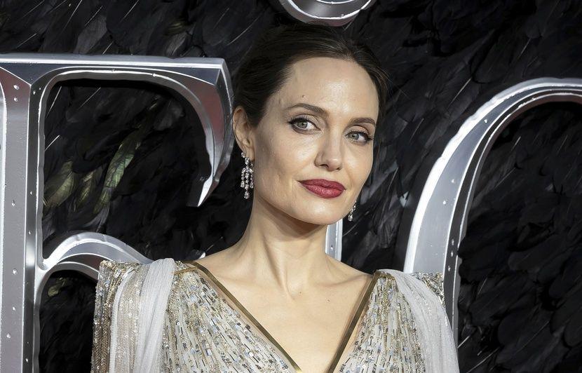 PODCAST. « Minute Papillon ! » : Angelina Jolie aux mille visages, grève du 5 décembre et applis antigaspi