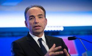 Le président de l'UMP, Jean-François Copé, présente ses vœux, le 8 janvier au siège du parti, à Paris.