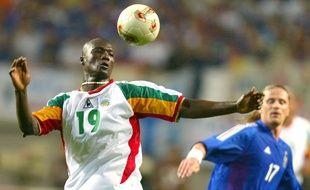 Bouba Diop contre les Bleus en 2002.