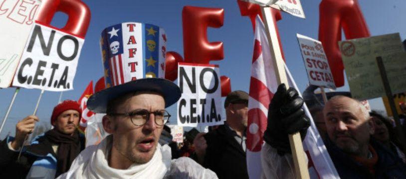 Des manifestants anti-CETA