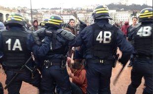 La manifestation contre la loi du travail a fini par dégénérer à Lyon