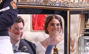 La princesse Eugenie et son mari ont défilé en carrosse.