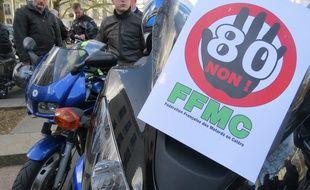 Une manifestation des motards en colère a eu lieu mardi matin devant la préfecture de Nantes