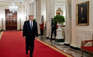 Donald Trump sur un tapis rouge.
