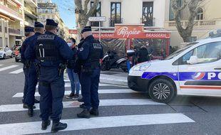 Le restaurant a pu servir des repas malgré les injonctions de la police