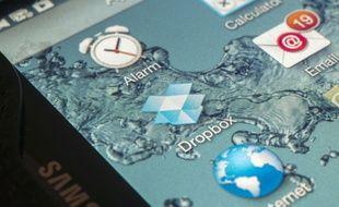 Le service de stockage sur le cloud Dropbox, installé sur une tablette.