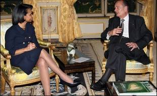 Mme Rice, dont c'était la troisième visite en France depuis sa prise de fonctions en janvier 2005, a quitté ce long entretien de 90 minutes au palais de l'Elysée sans faire de déclaration à la presse.