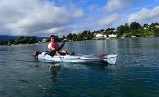 Armand Thoinet, ici en juin dernier lors d'un triathlon qu'il s'est lui même organisé, avec notamment le tour du lac Léman en kayak.