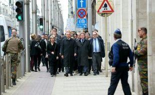 La commission d'enquête parlementaire belge visite, le 22 avril 2016, la station de métro bruxelloise Maelbeek, cible d'une attaque terroriste le 22 mars