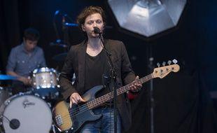 Le chanteur Raphaël sur scène, à Nice en 2013.