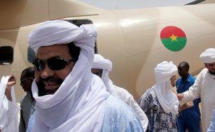 Iyad Ag Ghaly, le chef du mouvement djihadiste Ansar Dine, à l'aéroport de Kidal (nord du Mali) le 7 août 2012. Il est à la tête du groupe GSIM qui a revendiqué les attaques de Ouagadougou.