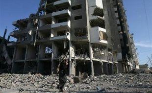 De féroces combats continuaient d'opposer mercredi avant l'aube des activistes palestiniens aux soldats israéliens à Gaza-ville.