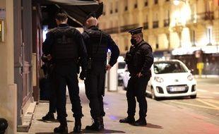 Des policiers à Paris, le 20 février 2021.
