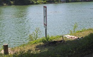 Illustration d'une rivière, lieu propice à la baignade