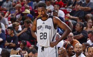 Livio Jean-Charles, ici lors d'une rencontre le 11 juillet à Las Vegas, a participé à la Summer League avec les Spurs cet été.