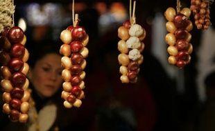 Marché de l'oignon, à Berne, en Suisse, le 26 novembre 2007. Les producteurs peuvent vendre jusqu'à 50 tonnes d'ail et d'oignon en une seule journée, lors de cette fête annuelle.