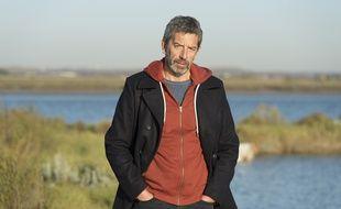Michel Cymes interprète le rôle d'un médecin légiste dans le téléfilm «Meurtres en pays d'Oléron» sur France 3.