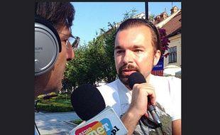 Mateusz Klinowski, le nouveau maire de Wadowice, en Pologne, lors d'une interview avec la radio Wnet, le 7 juillet 2014.