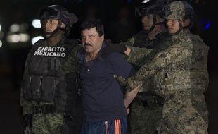 Joaquin «El Chapo» Guzman aux mains de la police à Mexico, au Mexique, le 8 janvier 2016.