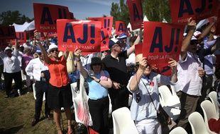 Ils étaient 2.000 à venir soutenir leur champion à Chatou, samedi 27 août.
