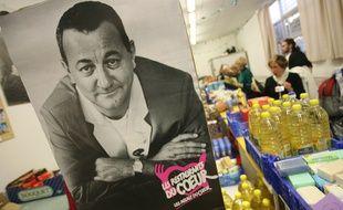 Distribution de produits de premiere necessite avec l'association des Restos du coeur dans un local aux Arenes a Toulouse.