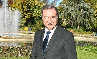 Le leader de la liste UMP-MoDem-UDI compte sur les abstentionnistes.
