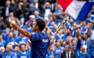 Tsonga célèbre la qualification de la France en finale de la coupe Davis
