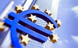 Le Logo de l'Euro, devant le siège de la BCEà Francfort, le 4 août 2011.
