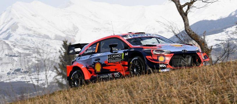 Ott Tänak et son copilote ont été victimme d'une violente sortie de route à Monte-Carlo.
