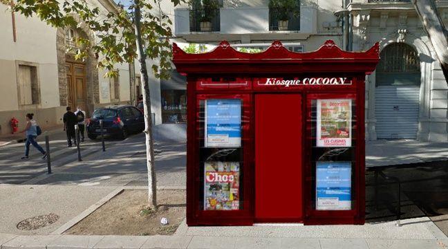 montpellier non ce n est pas un kiosque journaux mais une cabine pour les sans abris. Black Bedroom Furniture Sets. Home Design Ideas