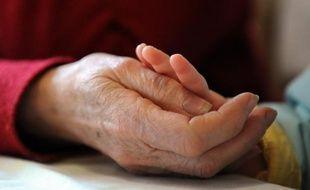 """Plus de la moitié des personnes de plus de 45 ans interrogées en ligne par l'entremise du site Notretemps.com pensent que le projet de """"contrat de génération"""", annoncé par le gouvernement pour 2013, permettra de maintenir les seniors dans l'emploi."""