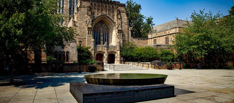 L'université Yale, aux États-Unis.