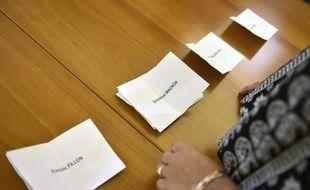 Le 23 avril 2017 dans un bureau de vote de  Toulouse. PASCAL PAVANI