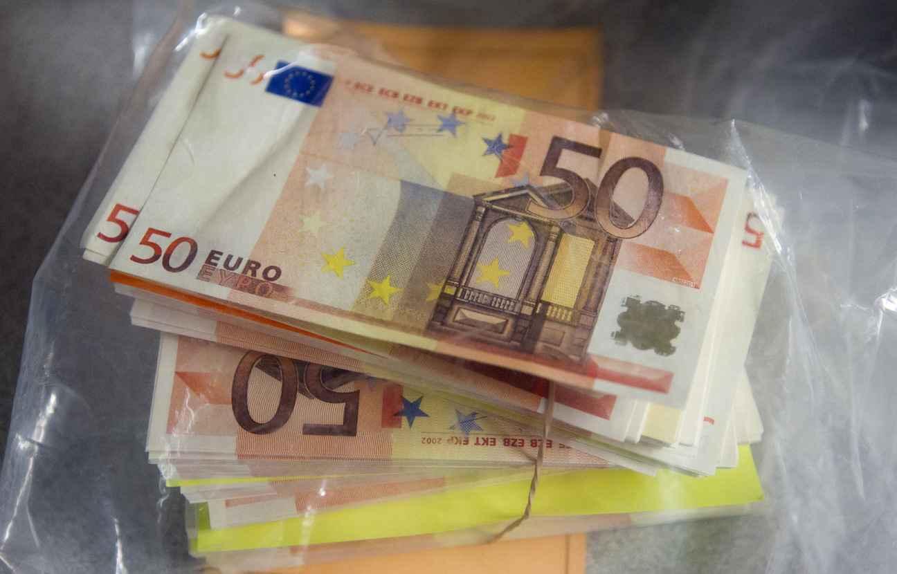 nord faux billets de 50 euros mais vrai mandat cash. Black Bedroom Furniture Sets. Home Design Ideas