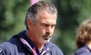 L'entraîneur du Stade Français, Jacques Delmas, lors du match de Top14 face à Castres, le 12 septembre 2009.