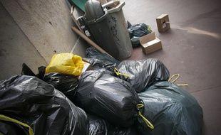 Illustration grève du ramassage des poubelles.