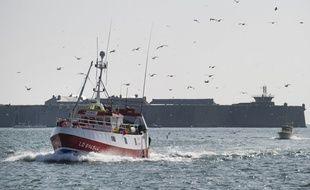Un bateau de pêche sort du port de Lorient (image d'illustration).