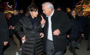 Anne Hidalgo et Marcel Campion lors de la nuit d'ouverture de La Foire du Trône, le 25 mars 2015 à Paris.