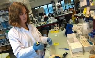 La virologue spécialiste des coronavirus, Sandrine Belouzard, participe à l'étude sur le repositionnement d'un médicament pour lutter contre le Covid-19.