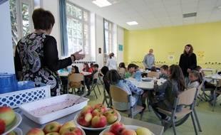 Des produits locaux sont servis à la cantine, ici dans l'école Liberté à Rennes.