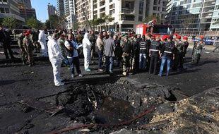 Un attentat à la voiture piégée a tué cinq personnes, dont un proche de l'ex-Premier ministre Saad Hariri, le 27 décembre 2013 à Beyrouth (Liban).