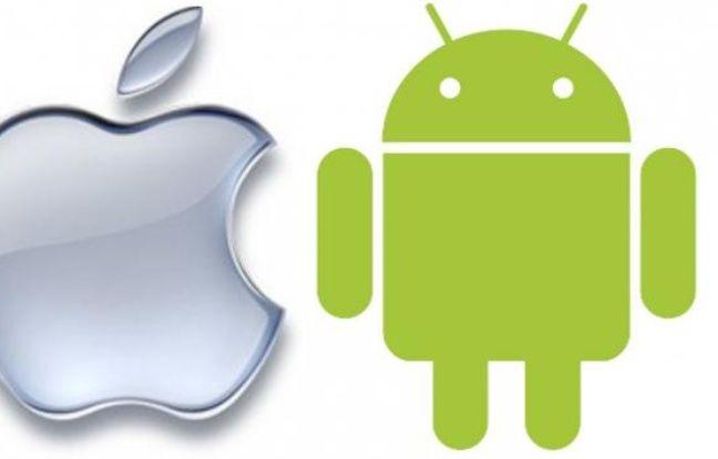 Les logos d'Apple et d'Android, l'OS mobile de Google.