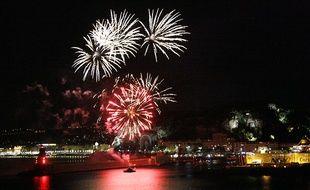 Le feu d'artifice sur le port de Nice en 2013.