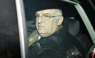 L'ancien chef des services de renseignements extérieurs britanniques (MI6), Richard Dearlove à Londres le 20 février 2008