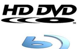 La guerre des médias haute définition oppose le HD DVD de Microsoft et Toshiba contre le Blu-Ray de Sony