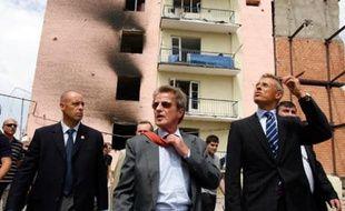 Le ministre des Affaires étrangères français Bernard Kouchner (g) à Gori en Géorgie, le 11 août 2008