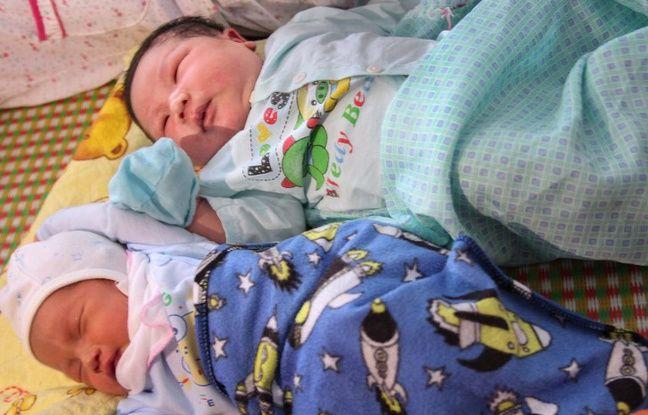 Le bébé qui pèse plus de 7 kg est l'un des plus lourds bébés jamais enregistrés en Asie du Sud-Est