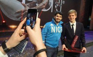 Le footballeur Vincent Koziello et ses fidèles supporters qui ont voté pour lui.